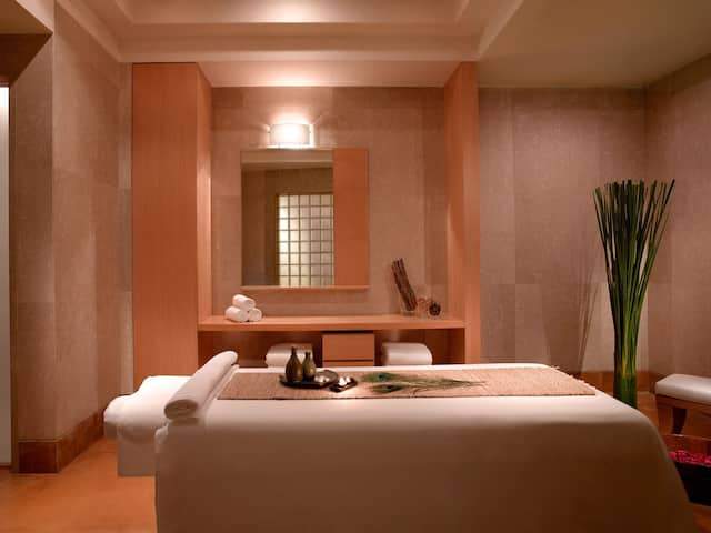 Club Oasis Treatment Room