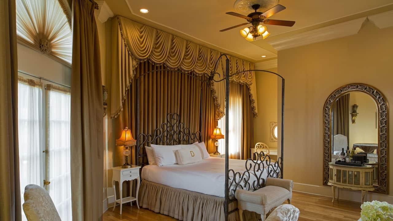Renaissance Suite Bedroom