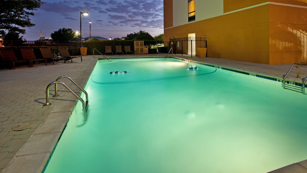 Hyatt Place Dallas / Arlington outdoor pool at night