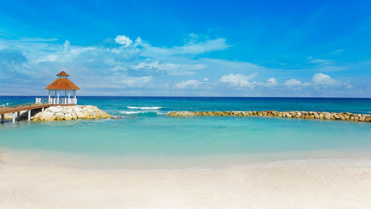 The Hyatt Ziva & Zilara Rose Hall have smaller beaches but the gorgeous, blue water makes up for it. Photo by Hyatt.