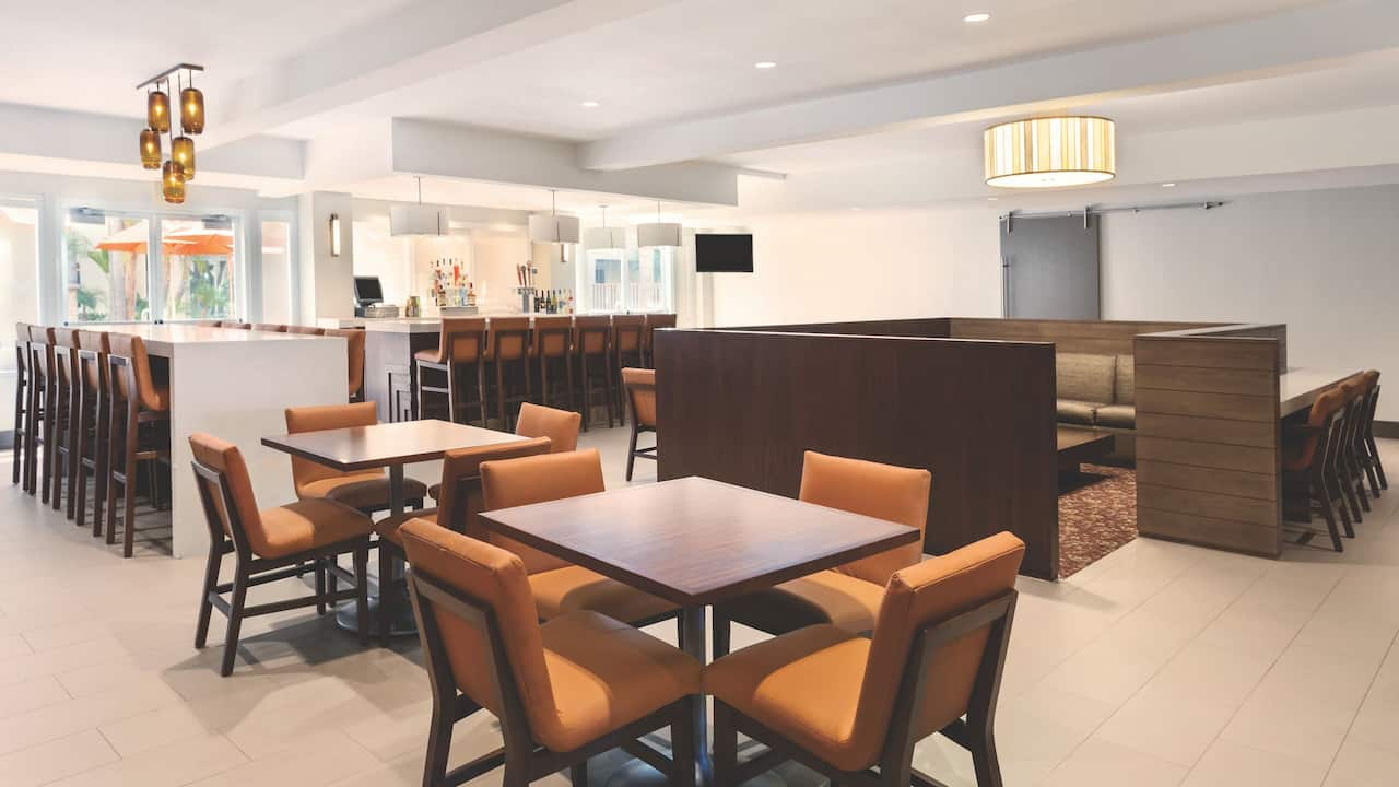 Hyatt House San Diego / Sorrento Mesa H Bar