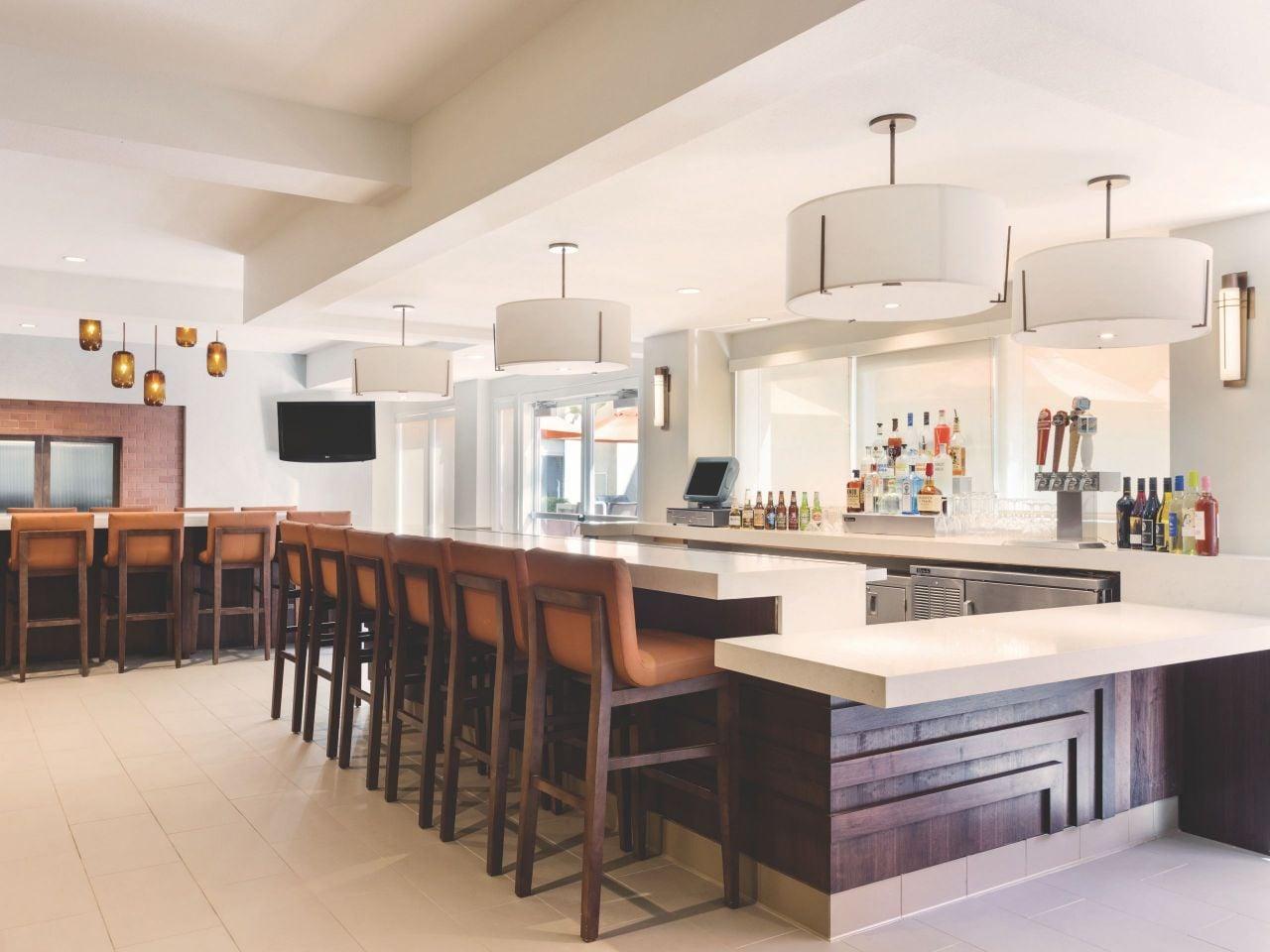 Hyatt House San Diego / Sorrento Mesa Exterior H Bar