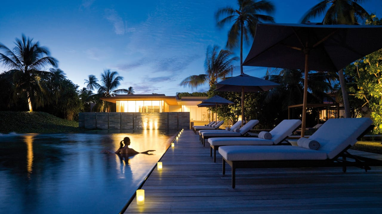 Luxury Maldives Resort Spa Pool