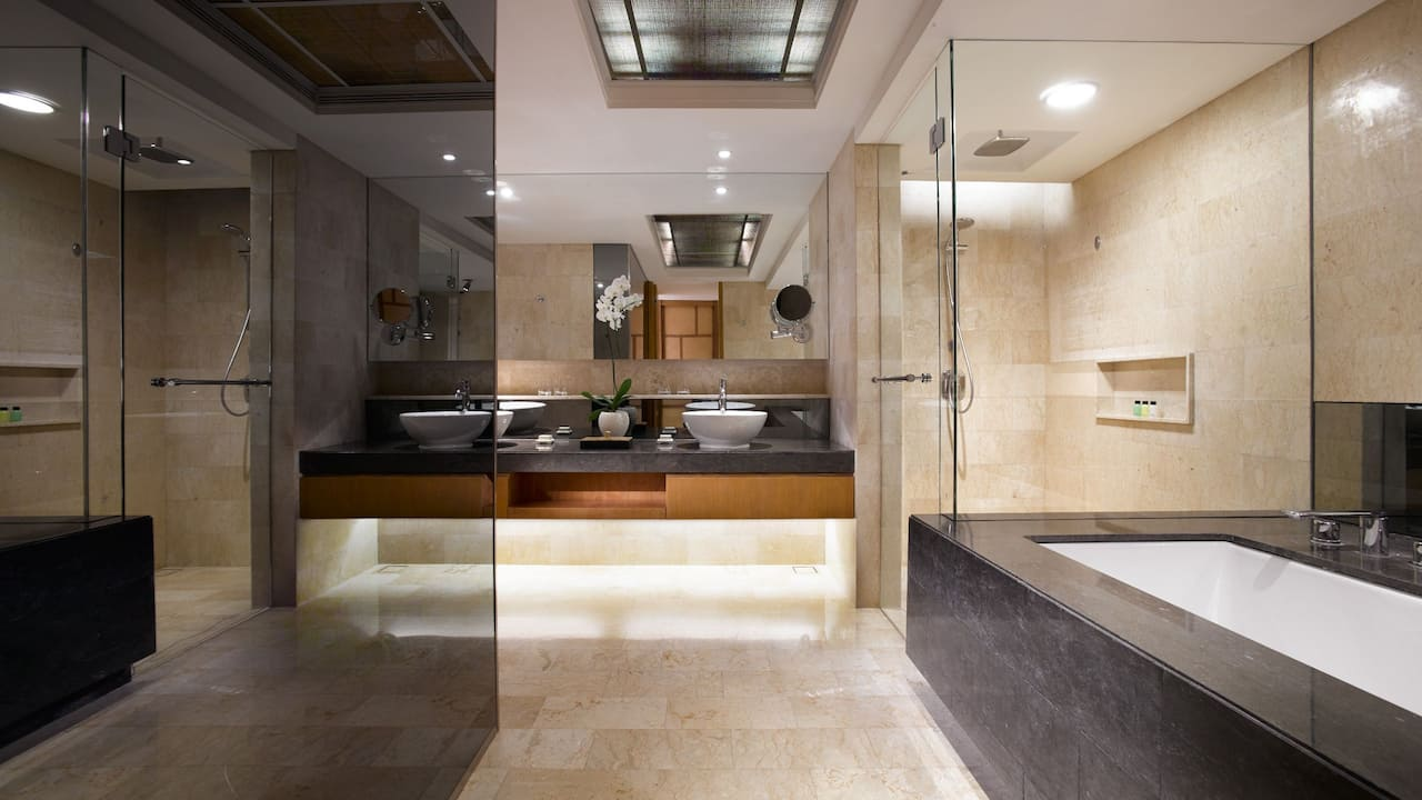 Grand Suite Bathroom at Grand Hyatt Bali, Nusa Dua