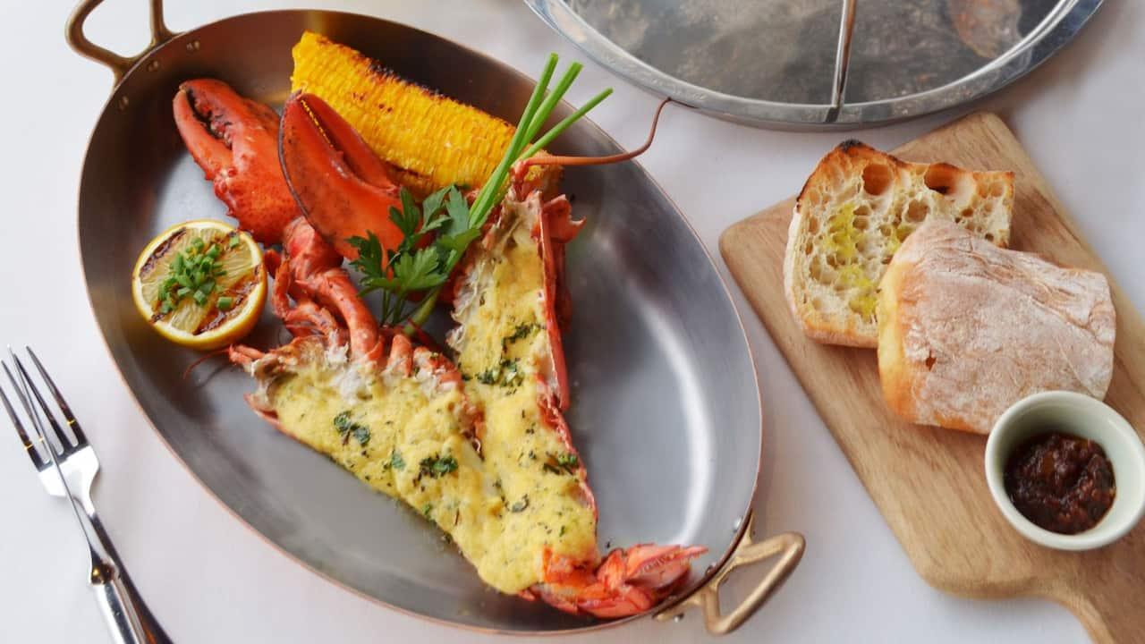 5-star Phuket Hotel in Kamala Beach Sunset Grill Lobster