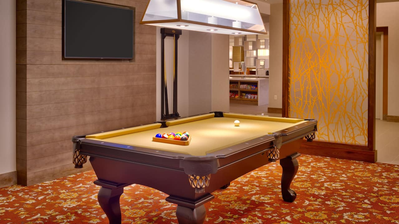 Hyatt House Salt Lake City / Downtown billiards room