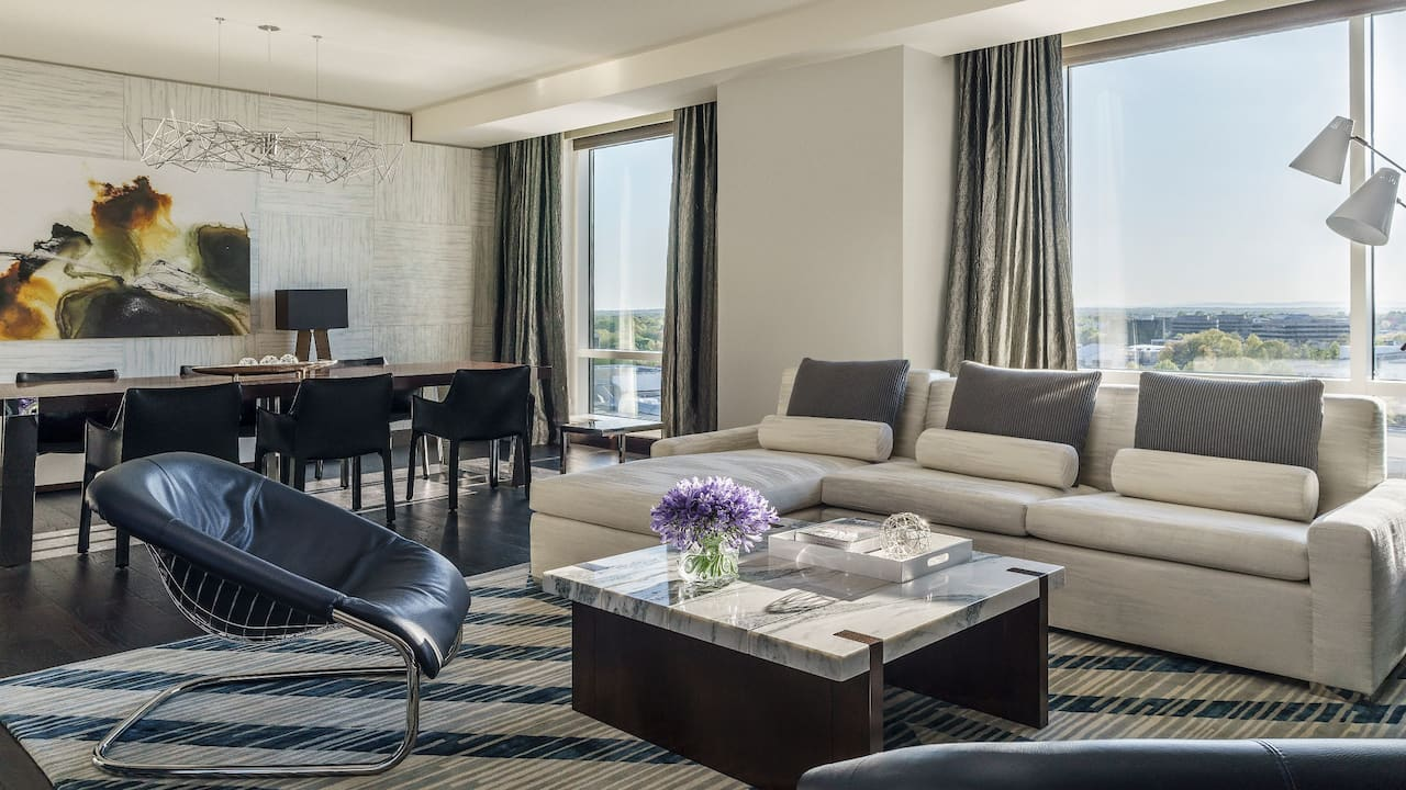 ADA Plaza Suite Hyatt Regency Tysons Corner Center