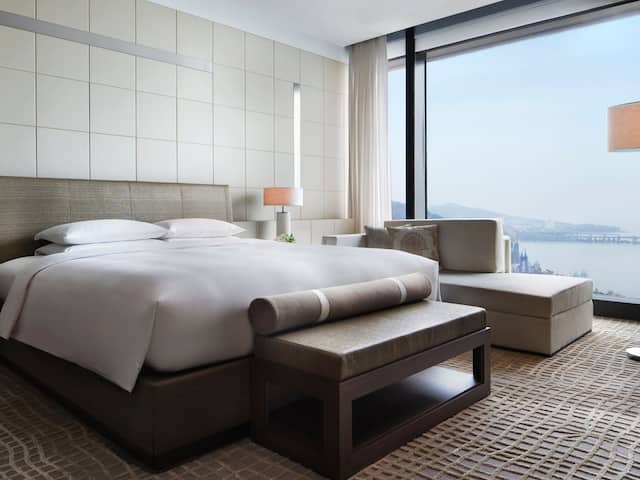 Chairman-and-Pres-Suite-Bed-Room