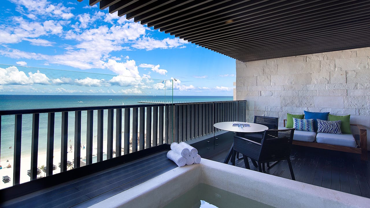 Plunge Pool Suite-Terrace