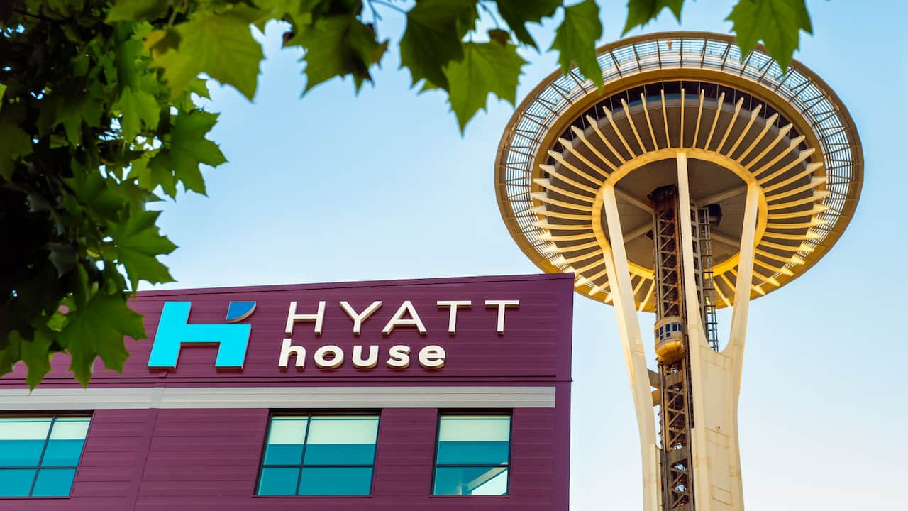Hyatt House Downtown exterior and view of Space Needle observation tower