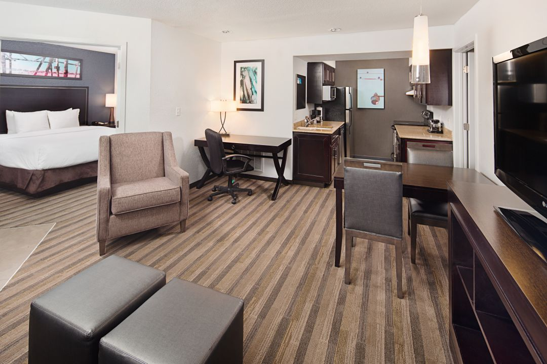 Hyatt House Mt. Laurel suite