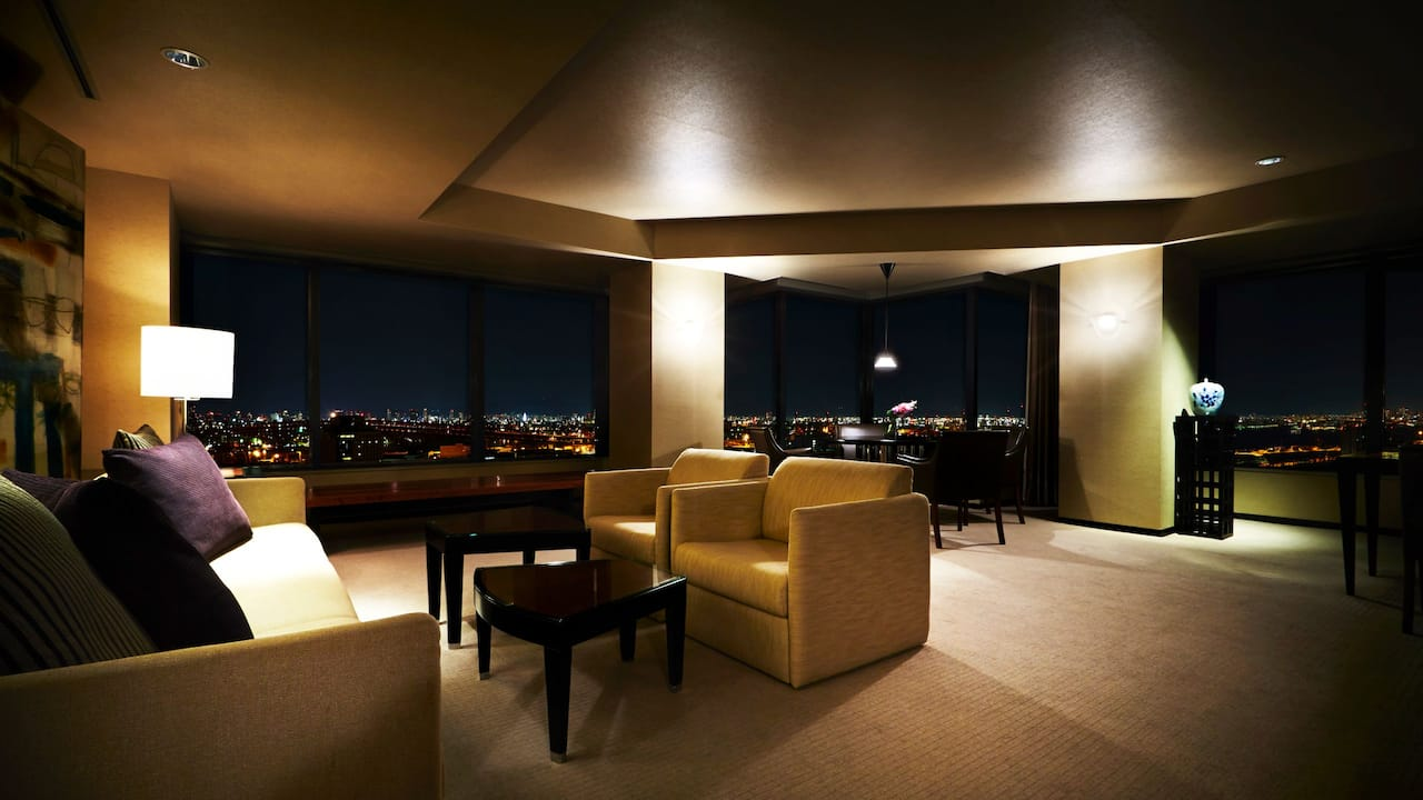 Diplomat Suite Living Room