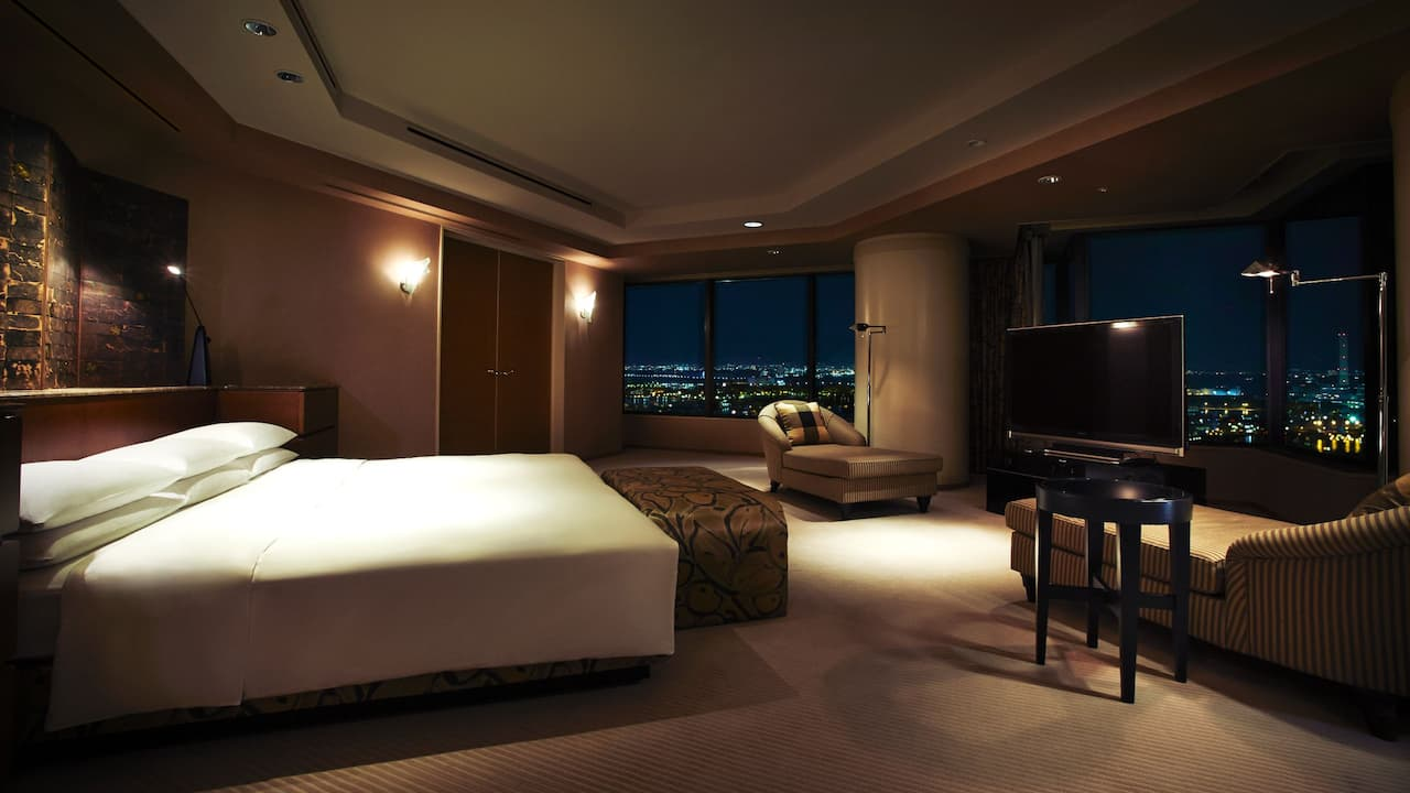 Presidential Suite Bedroom - Hyatt Regency Osaka