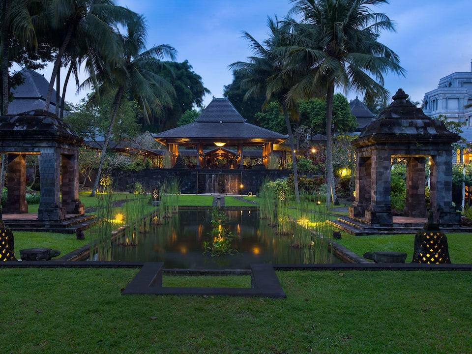Indoor & Outdoor Wedding Venues in Yogyakarta The Hyatt Regency Hotel