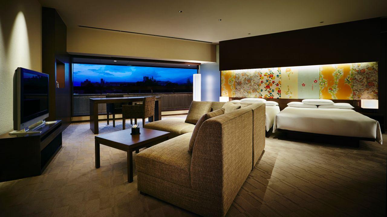 Regency Suite