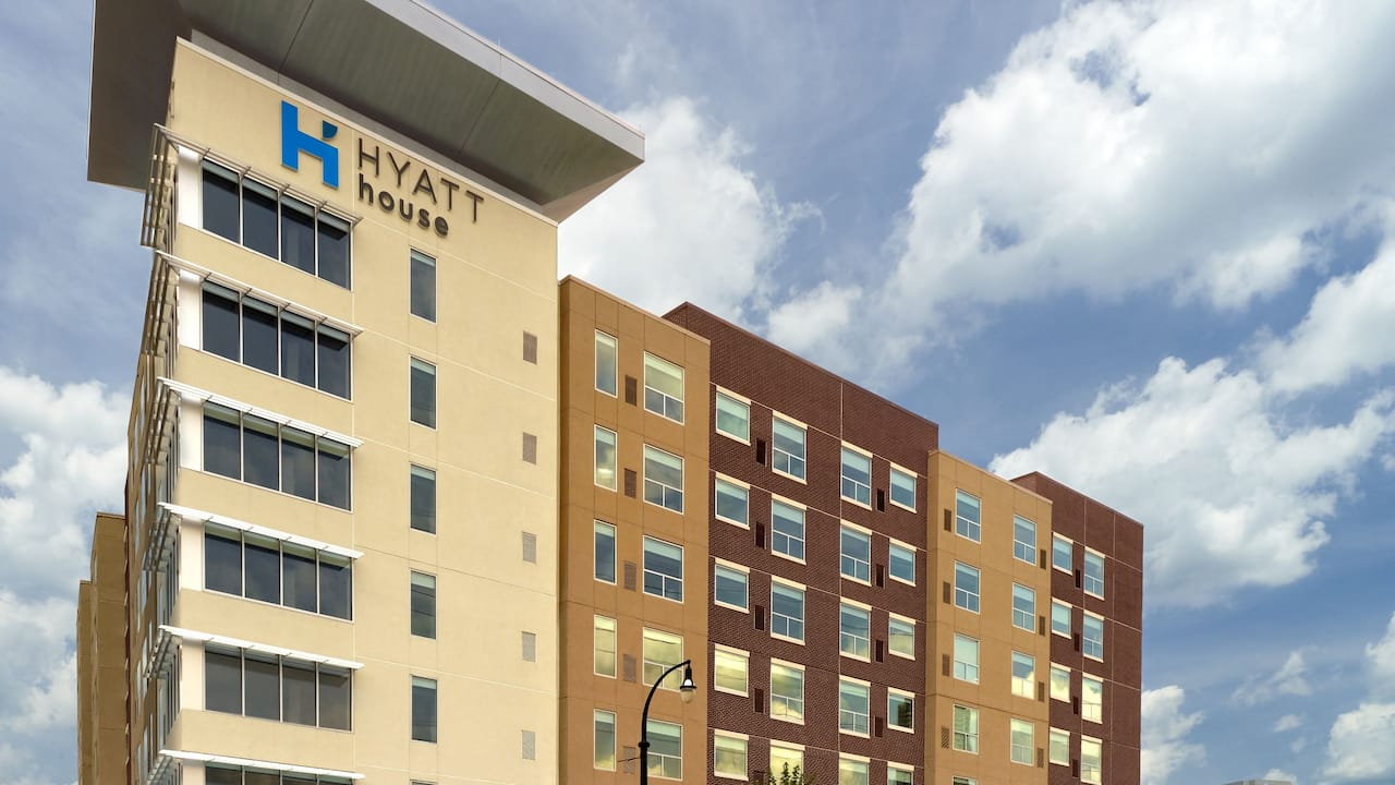 Hyatt House Atlanta Downtown Exterior