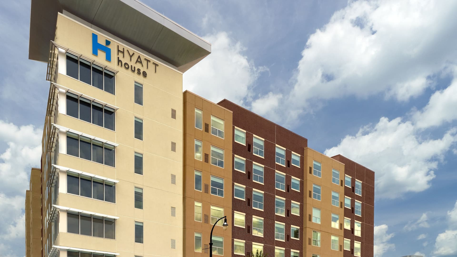 Hyatt House Seattle Exterior