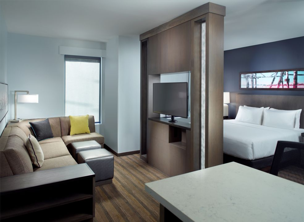 Hyatt House Atlanta King Studio Suite