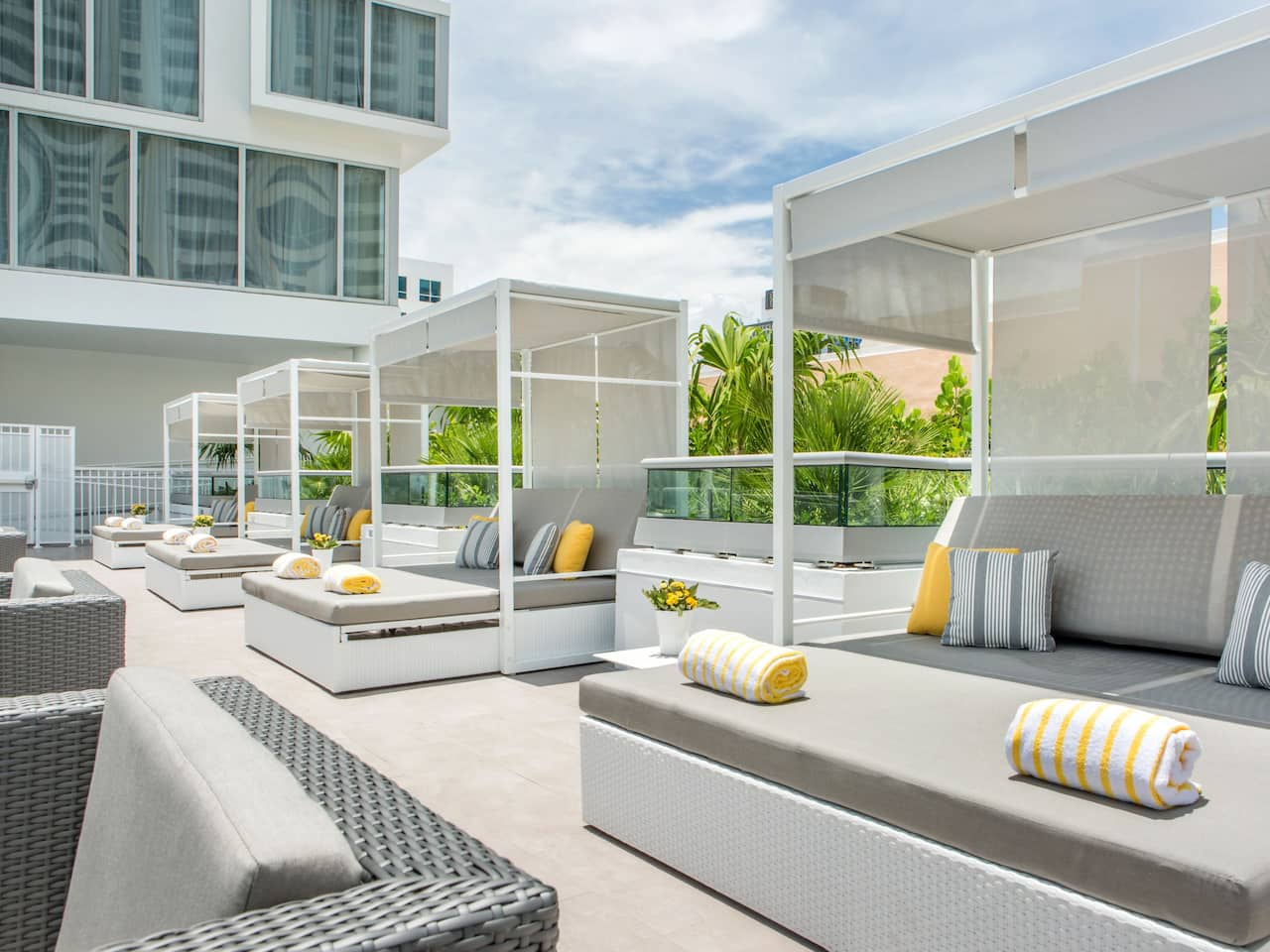 Rooftop Deck Pool Lounge