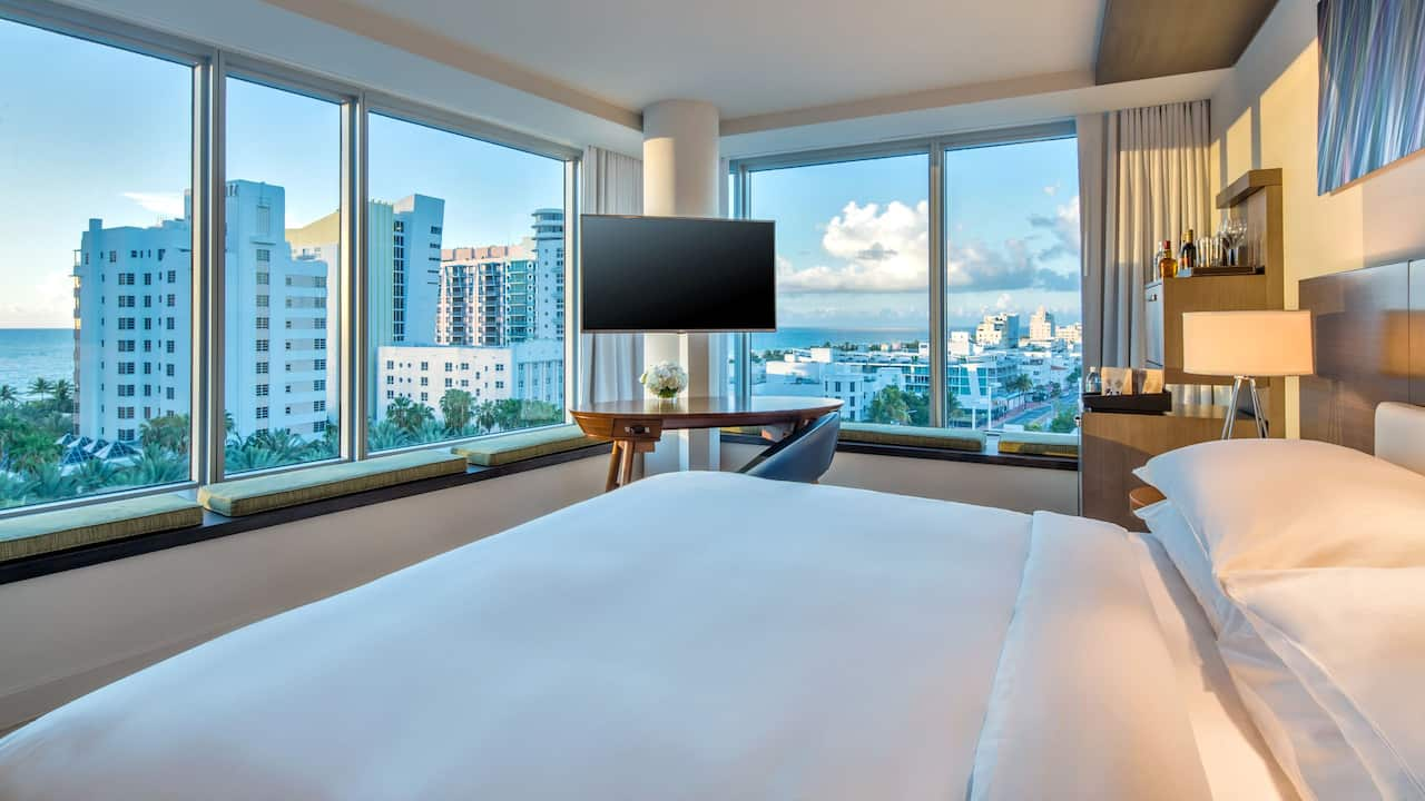 Hyatt Centric South Beach Miami City View Corner King Room Photo