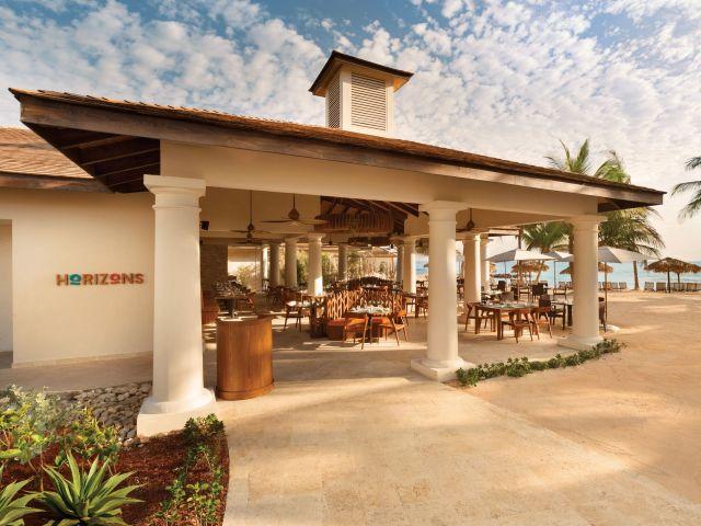 Horizonz Restaurant Exterior