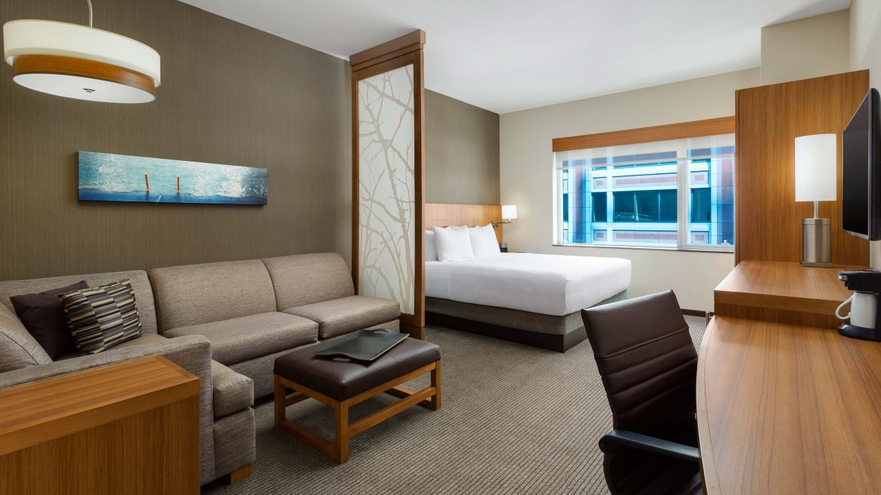 Hyatt Place hotel rooms downtown Chicago