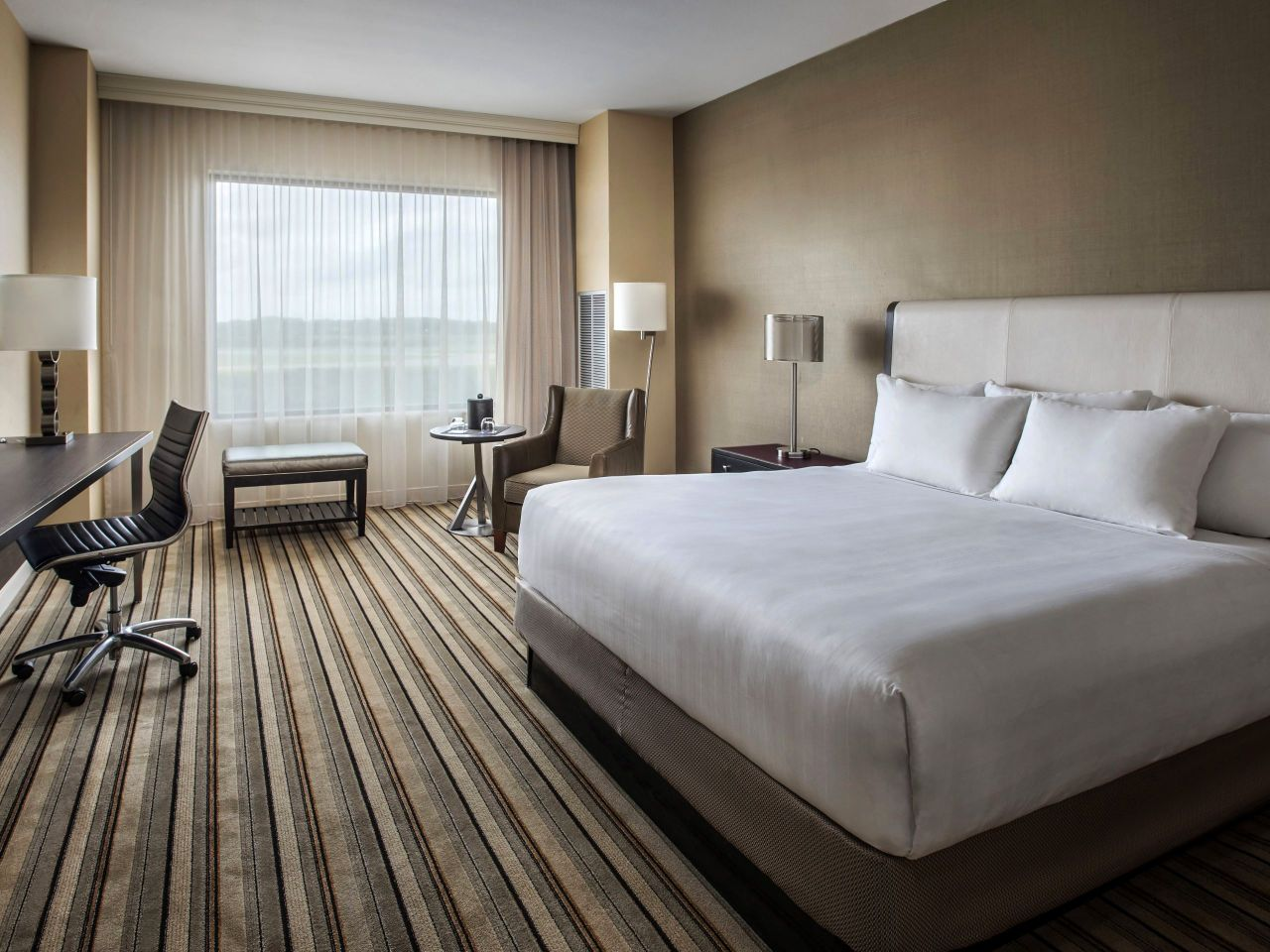 Hyatt Regency Pittsburgh International Airport King Guestroom