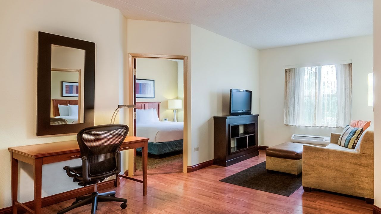 Hotel Rooms In Schaumburg Il