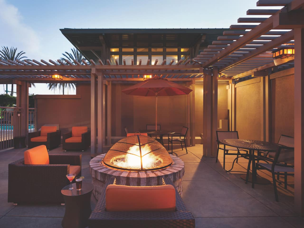 Outdoor Fireplace Hyatt House Emeryville / San Francisco Bay Area