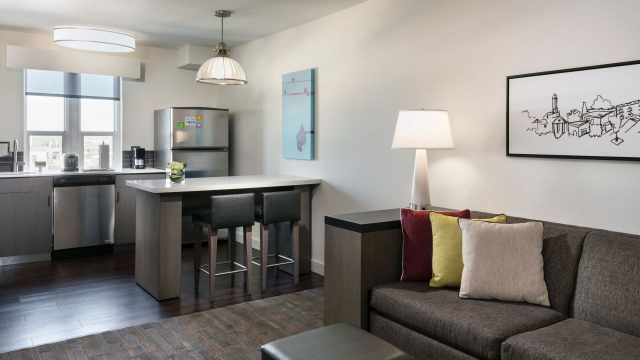 Hyatt House Charleston / Historic District One Bedroom