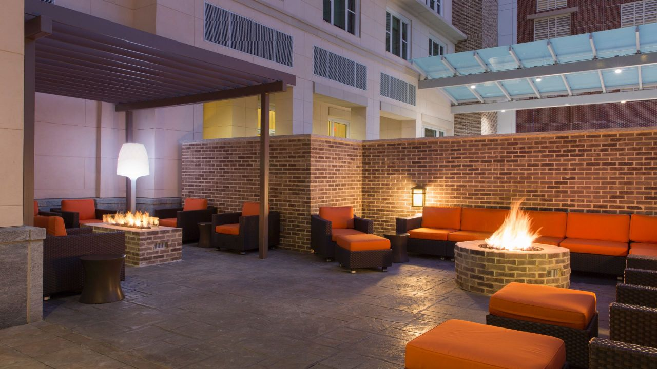 Hyatt House Charleston / Historic District Fire Pit