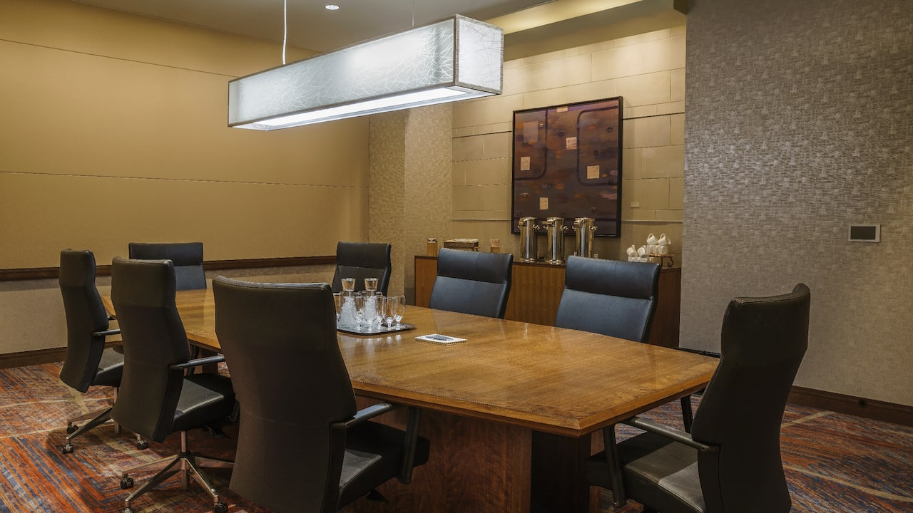 Meeting room with a table and seating