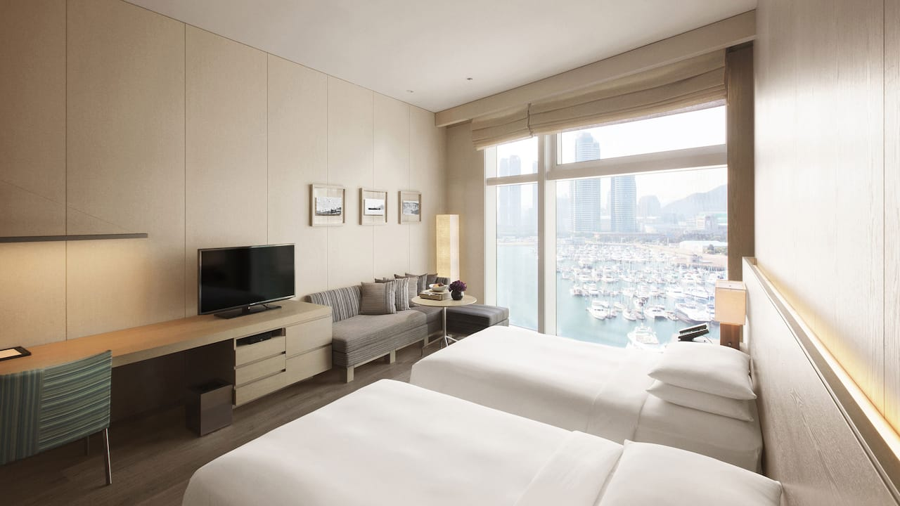 Busan Hotel Twin Beds Deluxe