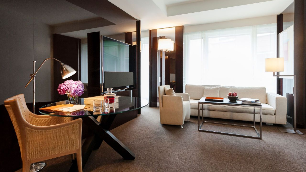 Grand King Suite Living Room
