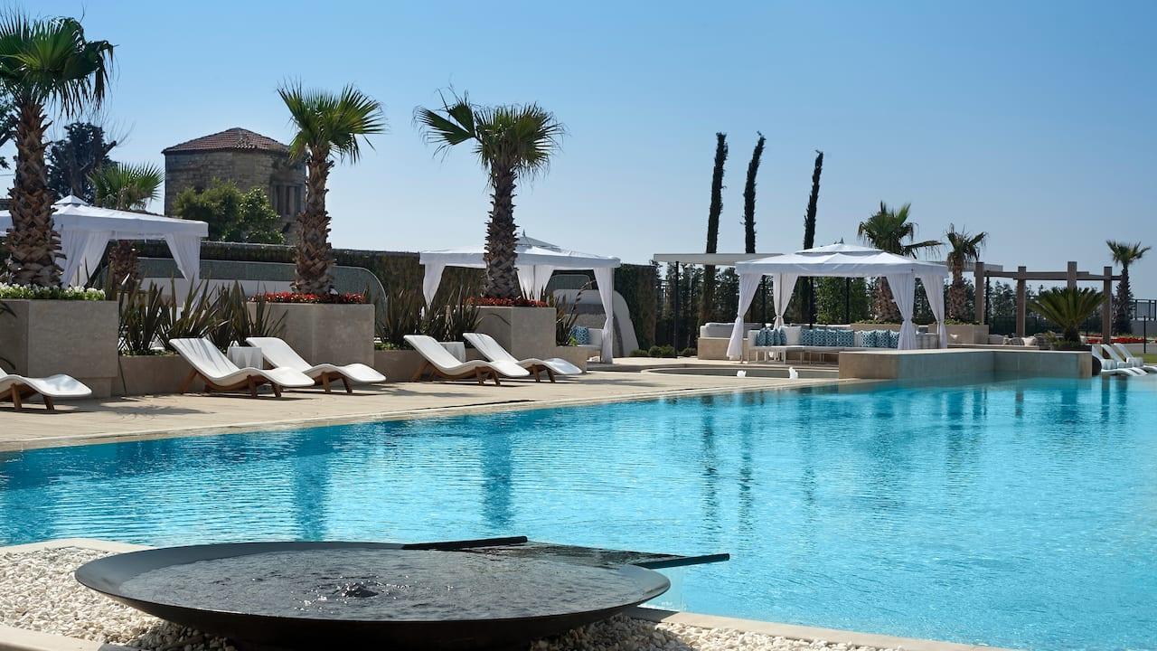 Ataköy pool