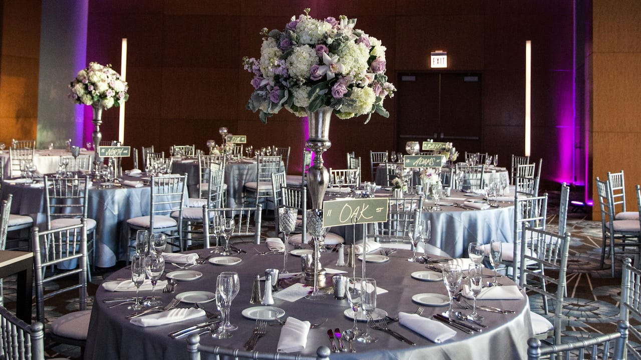 Hyatt Regency McCormick Place Wedding Tables