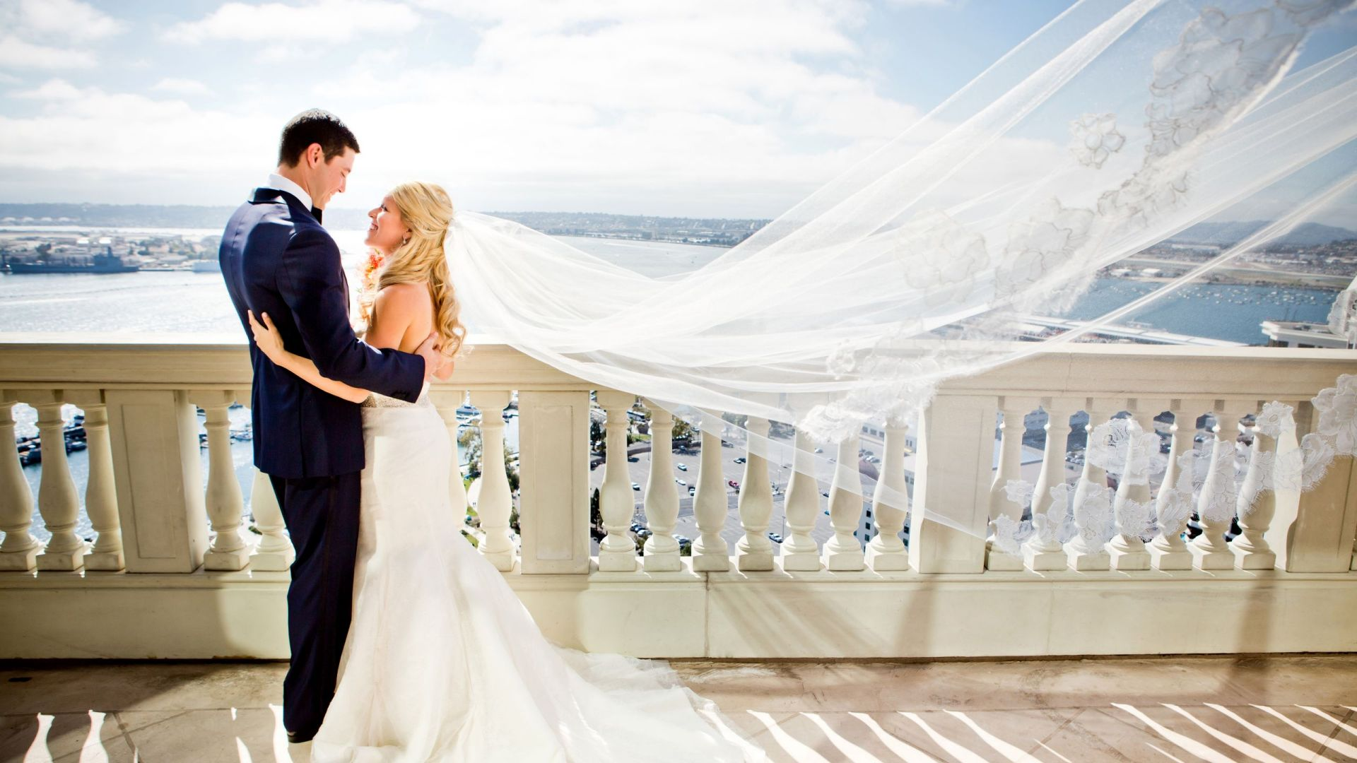 Bride and Grown Bay View Terrace Manchester Grand Hyatt San Diego
