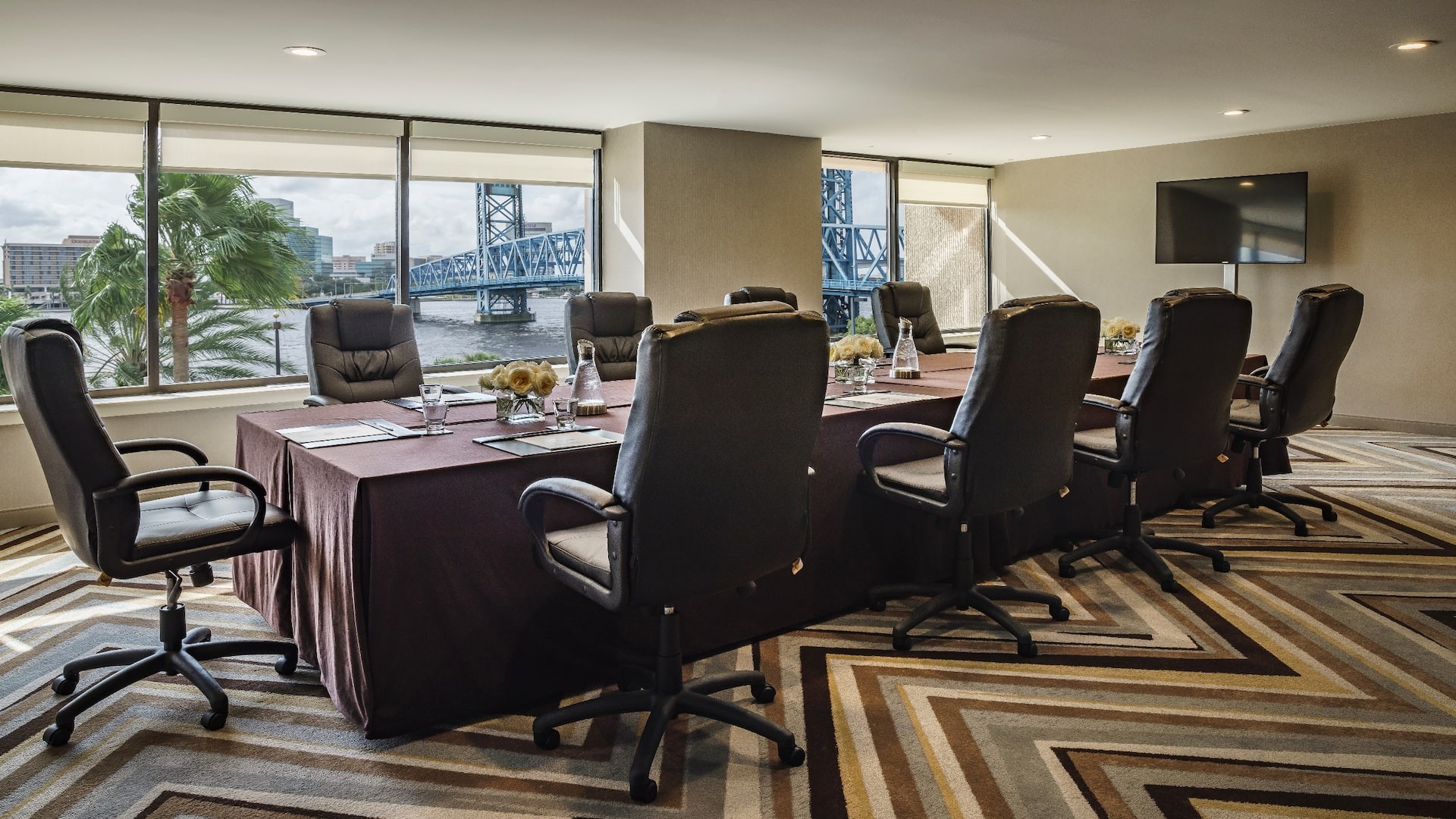 Executive meeting space in downtown Jacksonville
