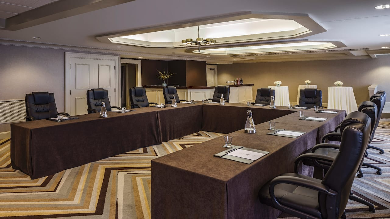 Hospitality Suite 4104 Meeting Room