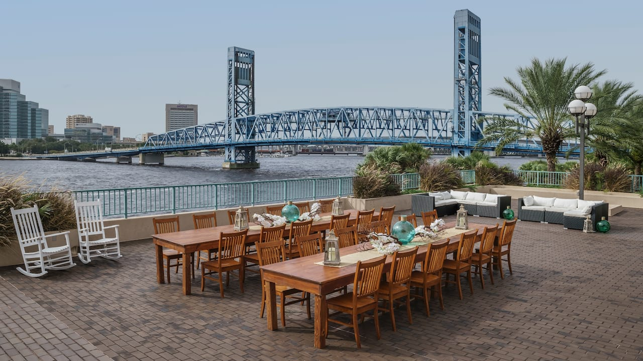 Outdoor event venue Hyatt Regency Jacksonville Riverfront
