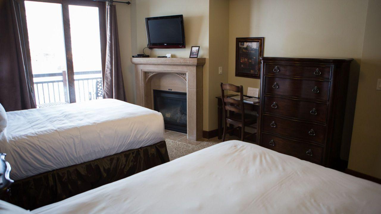 2 bedroom King/Queen size beds