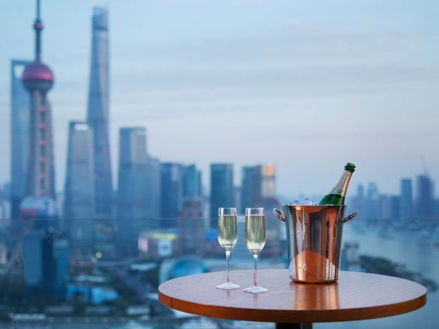 Vue bar with view of shanghai