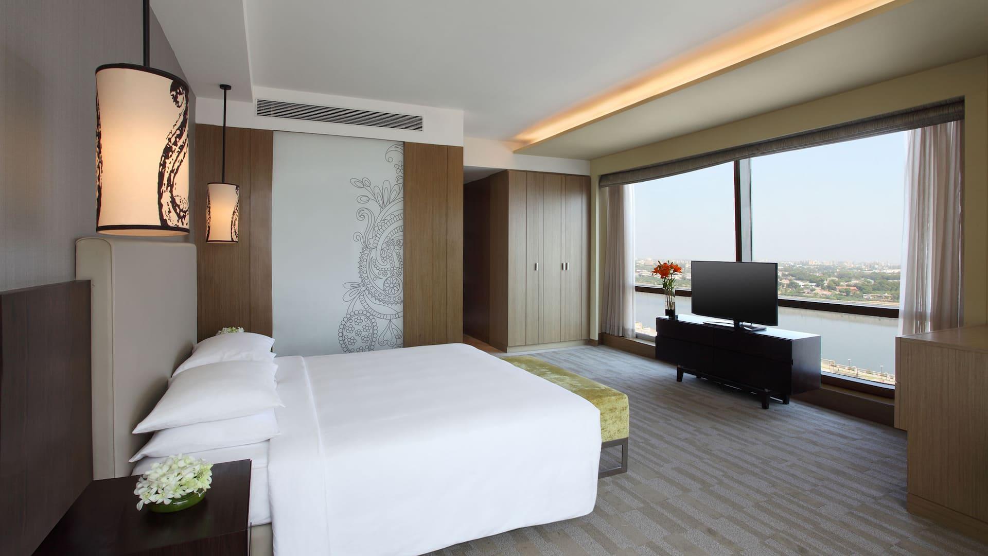 Luxury 5 Star Hotel in Ahmedabad - Hyatt Regency Ahmedabad