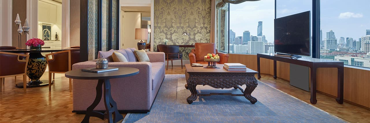 Diplomat Suite - Living Room