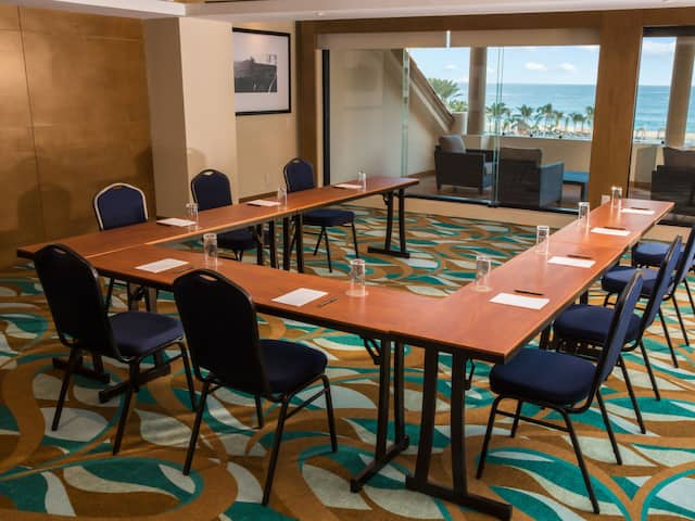 U-shape Style Meeting Room