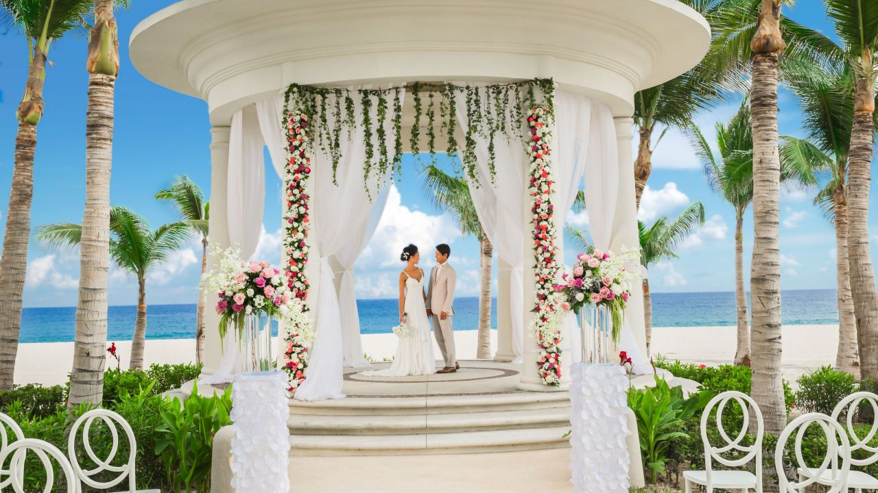 Couple in Gazebo