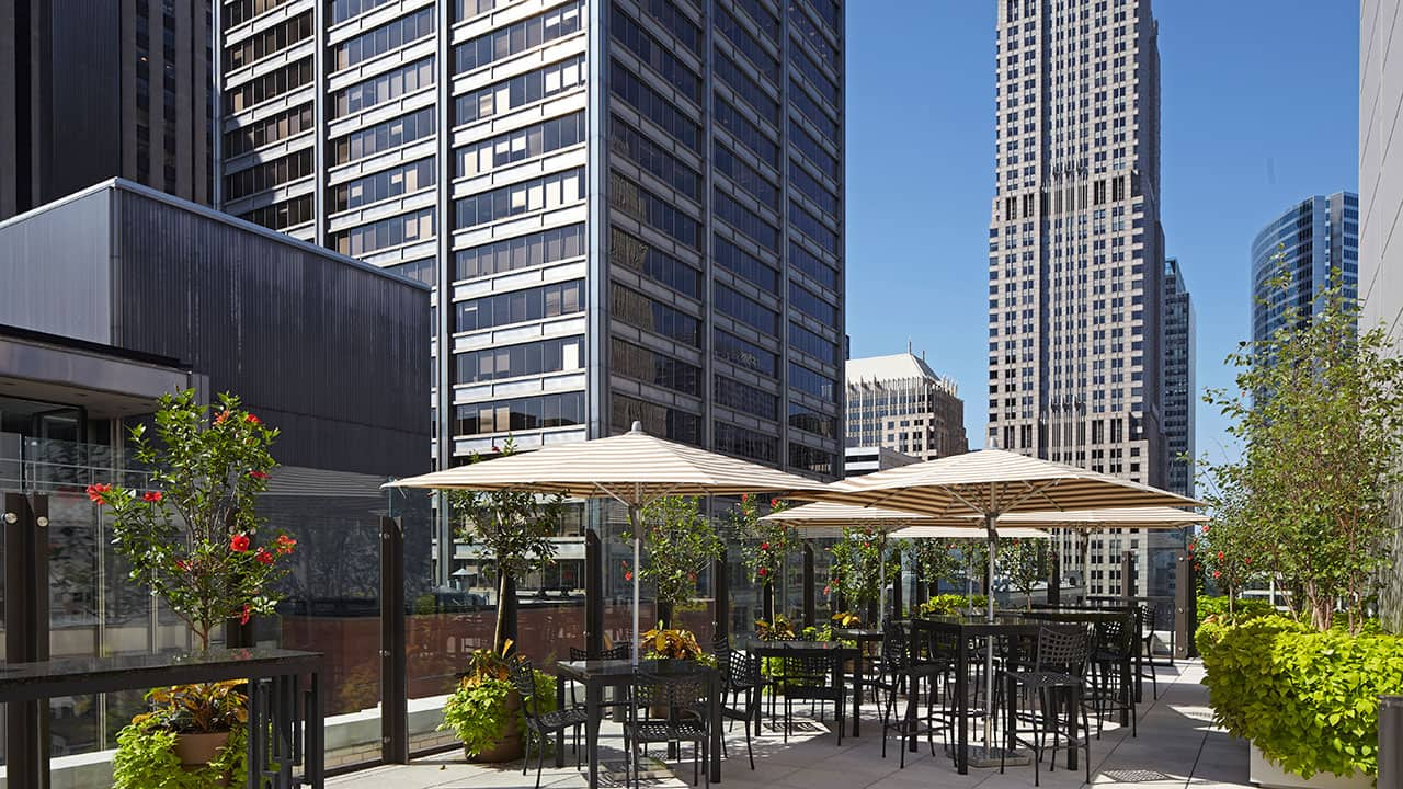 Rooftop Bar | AIRE | Hyatt Centric The Loop Chicago