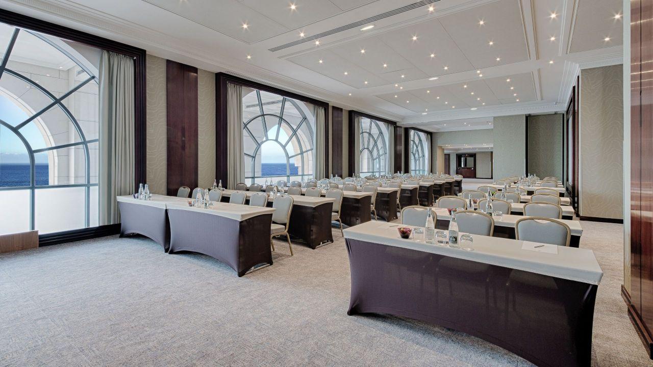 Conférence en Salle Azur à l'Hôtel Hyatt Regency Nice Palais De La Méditerranée