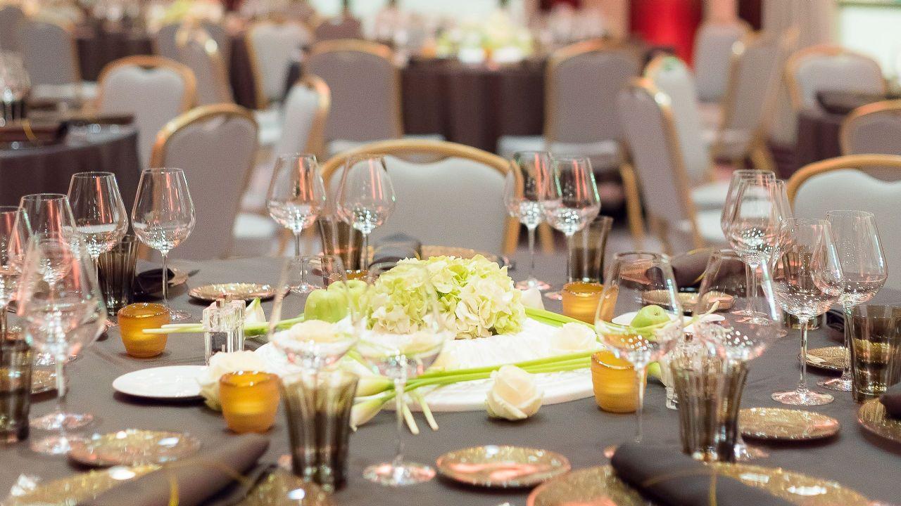 AzurRoom - Social Setupfor weddings at HotelHyattRegencyNicePalaisDeLaMéditerranée