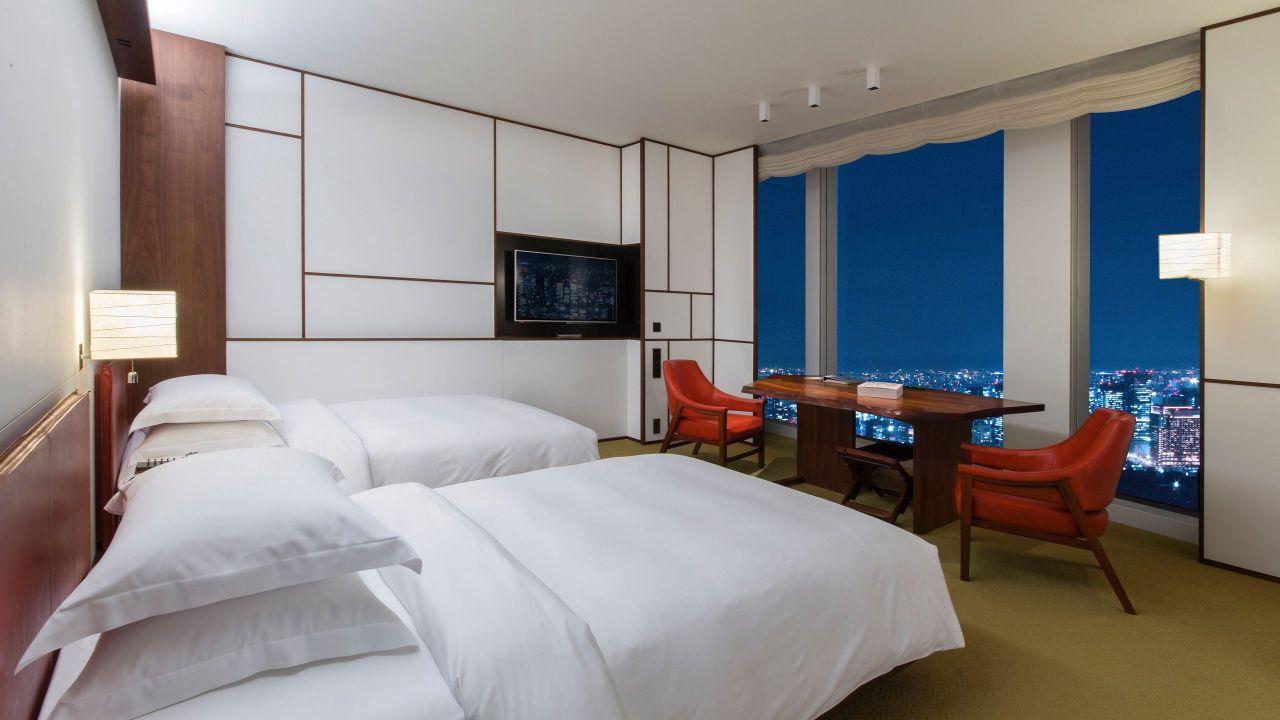 Andaz Tokyo Toranomon Hills, twin guestroom